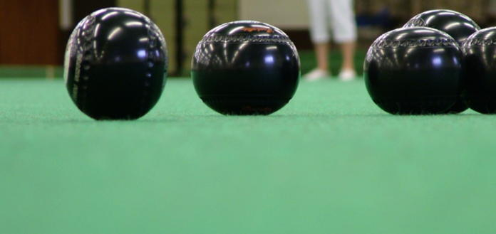 Bowls on 13 indoor rinks